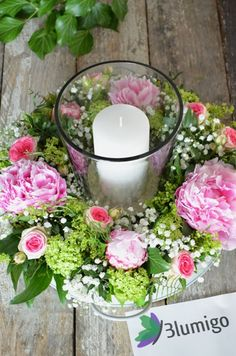 Make table decoration yourself - Summery flower decoration with fresh peony . - - Tischdeko selber machen – Sommerliche Blumendekoration mit frischen Pfingstros… Make table decoration yourself – Summery flower decoration with fresh peonies Spring Wedding Flowers, Bridal Flowers, Summer Flowers, Flower Table Decorations, Decoration Table, Wedding Centerpieces, Wedding Decorations, Christmas Decorations, Decor Logo