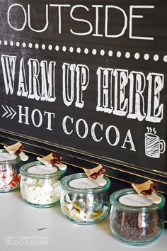 Hot Cocoa Bar Ideas with FREE Printables. Want this during the winter in my house someday. Christmas Entertaining, Holiday Parties, Christmas Treats, Christmas Holidays, Cocoa Party, Happy New Years Eve, Hot Cocoa Bar, Hot Chocolate Bars, Baby Shower Winter