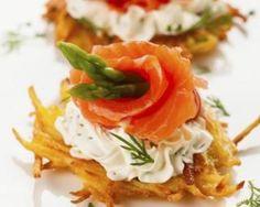Bouchées de pommes de terre au chèvre frais et truite fumée : http://www.fourchette-et-bikini.fr/recettes/recettes-minceur/bouchees-de-pommes-de-terre-au-chevre-frais-et-truite-fumee.html