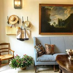 Chic in Avignon: Le Mas des Poiriers (Habitually Chic) French Cottage, French Farmhouse, Cottage Style, Farmhouse Decor, Pierre Frey, French Decor, French Country Decorating, Cosy Home, Home Decor