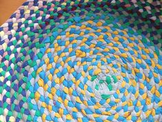 Braided Rag Rug from old t-shirts--very good and detailed tutorial over several days of posts