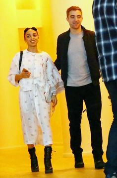 FKA twigs and Robert Pattinson get handsy during Art Basel. Photo: Getty Robert Pattinson fans, be warned. The actor/vampire heartthrob is officially—how do you say?—whipped. At the after-party for his girlfriend FKA twigs' concert duringArt Basel , the London native would not (could not?)