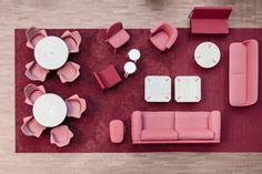 Интерьер университета в Рованиеми: яркая гостиная в розовом цвете