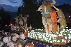 Semana Santa en Villaviciosa:  Las celebraciones de la Semana Santa en Villaviciosa gozan de gran tradición ya que se remontan al siglo XVII, cuando dos frailes dominicos establecieron la Cofradía del Santo Nombre de Jesús.