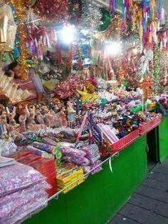Mexican market Xochimilco Mexico City.  [ MexicanConnexionForTile.com ] #culture #Talavera #handmade