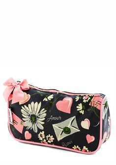 f65b7f8c744 I m a sucker for vintage inspired prints- Winsome Whimsy Makeup Bag  Cosmetic Pouch