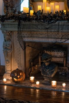"Welcome friends! Or should I say, "" Beware! Enter if you dare…This hauntingly beautiful home tour just might give you. Halloween Queen, Halloween News, Halloween House, Holidays Halloween, Halloween Themes, Halloween Crafts, Halloween Decorations, Halloween Party, Halloween Stuff"