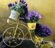 If you really want to make your garden decoration unique try these upcycling bikes projects out! Arrange beautiful flower pots and you will have diy garden Lavender Blue, Lavender Fields, Purple Yellow, Shades Of Purple, Beautiful Gardens, Beautiful Flowers, Beautiful Things, Bicycle Art, All Things Purple