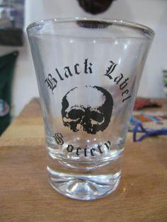 Copo Shot Black Label Society R$20,00