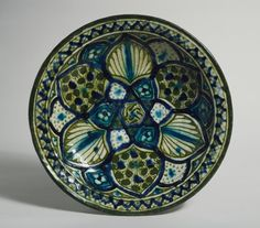 Bowl   LACMA Collections Egypt or Syria, 14th century Furnishings; Serviceware Fritware, underglaze-painted 3 x 13 in. (7.62 x 33.02 cm) The Madina Collection of Islamic Art, gift of Camilla Chandler Frost (M.2002.1.53) #egypt #syria #14thcentury