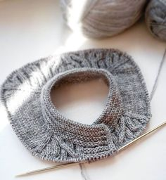 По проторенной дорожке... Росток получился с первего раза  еще раз и можно будет думать над описанием #вязание #вяжуспицами #вязаниеспицами #вяжутнетолькобабушки #кардиганспицами #knitted #knit #knitting #i_loveknitting #knitting_inspiration #knitoholic