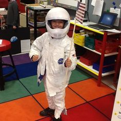 DIY Space Suit From White Duck Tape http://pblprojects.blogspot.com/2013/10/making-astronaut-space-suit.html