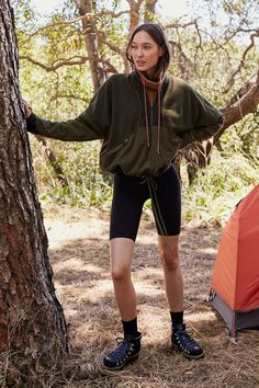 Apex Half Zip - The Best Hiking fashion images, clothes,boats, hats Cute Hiking Outfit, Summer Hiking Outfit, Cute Camping Outfits, Outfits For Hiking, Camping Outfits For Women Summer, Camping Attire, Spring Outfits, Winter Outfits, Tutu Rock