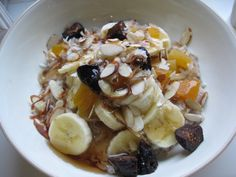 Make warm, hearty, delicious oatmeal in minutes - on the stove top! Oatmeal With Almond Milk, Yummy Oatmeal, Oatmeal With Fruit, Oatmeal Recipes, Cooking Oatmeal, Food For Thought, Breakfast Recipes, Easy Meals, Healthy Eating