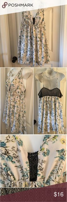CACIQUE  Floral Cotton-Blend Chemise Gown 18/20 Adorable cotton-blend sleep wear by CACIQUE. Cute blue and yellow floral pattern with black lace details. Marked size 18/20 (listed as a 2X for PoshMark sizing). Excellent condition. Cacique Intimates & Sleepwear Pajamas