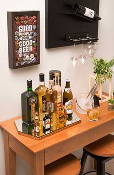 Interior Decorating Plans for your Home Bar Mini Bars, Mini Bar At Home, Bars For Home, Cafe Bar, Bar Sala, Home Bar Signs, Bar Counter Design, Bar Cart Decor, Coffee Bar Home