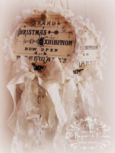 Christmas tags...inspiration only, but aren't these GORGEOUS??  I'd love to try using a bit of creativity using the pic as a guide.