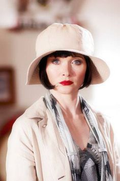 Essie Davis glams up for 1920s Melbourne murder mystery