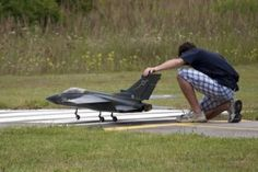 How to Pilot a Remote Controlled Plane