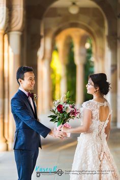 Rachel & Russell came from Singapore to have pre wedding photos done at St Lucia Queensland University. Bride & Groom Bouquet