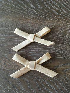 Gold Sparkle Pigtail Bow Set