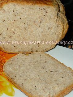 Suroviny dáme do pekárny v pořadí tekuté, tuhé a použijeme program Základní (Klasik). Máme-li kefír řidší, přidáme lžíci (nebo dvě) pšeničné... Pan Bread, Bread Rolls, Kefir, Healthy Dinner Recipes, Cornbread, Banana Bread, Goodies, Food And Drink, Baking