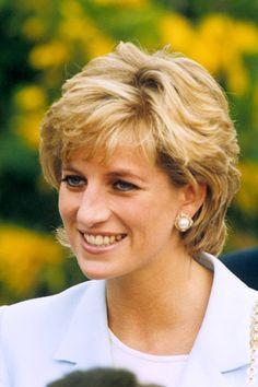 Princess Braid, Princess Diana Wedding, Princess Diana Fashion, Princess Diana Family, Princess Diana Pictures, Princess Diana Hairstyles, Lady Diana Spencer, Diana Haircut, Short Hair With Layers