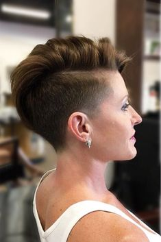 If you think that the low fade haircut can suit men only, you are missing out! We prepared the latest faded cut ideas for women you could ever imagine. It' time to bring one of these cuties to life! #lowfadehaircut #fadehaircut #womenhaircut