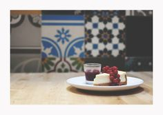Cheesecake at Books & Brunch - © Silvie Bonne