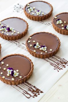 Tart Recipes, Sweet Recipes, Dessert Recipes, Delicious Desserts, Yummy Food, Fancy Desserts, Bakery Cafe, Cakepops, Mini Cakes