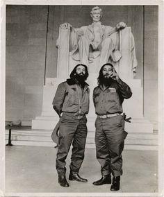 Che & Fidel at the Lincoln Memorial.