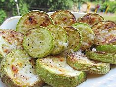 Zucchini fried in Ukrainian / Amazing Cooking Healthy Vegetable Recipes, Healthy Vegetables, Healthy Cooking, Vegetarian Recipes, Healthy Kids, Dinner Vegetables, Vegetable Meals, Fresh Vegetables, Potato Sides