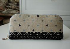 artchala handmade: Zippered Wallet