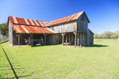 Pole barns living quarters mark holland construction for Shop with upstairs living quarters