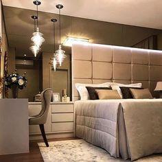 """3,449 curtidas, 29 comentários - Decoramundo (@decoramundo) no Instagram: """"Gente que quarto e esseeee?????? Amei o espelho Bronze cobrindo toda a parte da cama. A cabeceira…"""""""