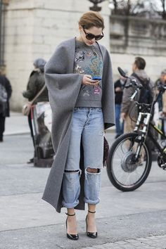 Sofia Sanchez Barrenechea in grey top & coat paired w/ distressed jeans Classic Fashion Trends, 2016 Fashion Trends, Denim Fashion, Love Fashion, Winter Fashion, Paris Fashion, Style Fashion, Womens Fashion, Urban Chic