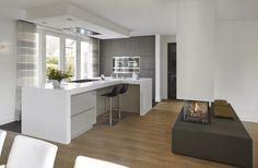 The post Residential building appeared first on HOOG.design - Exclusive living inspiration in the United Kingdom. Oak Cladding, Ceiling Design, Home Look, Corner Desk, Building A House, Kitchen Design, Villa, Interior Design, Kitchens