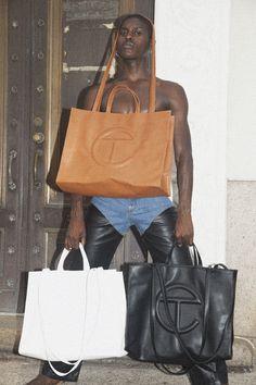 Uni Fashion, Fashion Bags, Ethical Fashion Brands, Black Luxury, Branded Bags, Black Leather Bags, New Bag, Cloth Bags, Luxury Bags