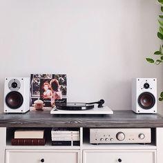 Neat setup by @nevolimruze #vinyloftheday #vinyligclub #vinylporn #vinyl…