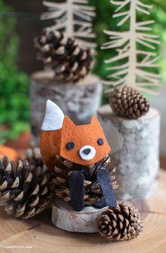 Füchschen aus Tannenzapfen und Filz #Herbstdeko #Basteln #DIy #kidscrafts