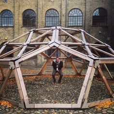 Madventure. #windows #geodesic #winenot Dome Structure, Timber Structure, Parametrisches Design, Folding Architecture, Dome Tent, Garden Deco, Dome House, Geodesic Dome, Gazebo