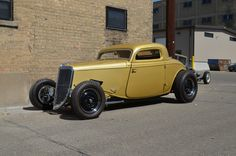 '33 three window coupe