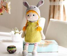 Tiny Mini Design Easter Crochet Patterns, Knitting Patterns, Pattern Design, Free Pattern, Crochet Angels, Bunny Costume, Baby Dinosaurs, Little Doll, Amigurumi Doll