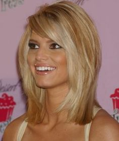 love this medium length hair cut...maybe when I'm feeling a big change