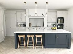 Idea, secrets, and quick guide with regard to getting the most ideal outcome and attaining the max utilization of Kitchen Cabinetry Remodeling Kitchen Family Rooms, Kitchen Room Design, Living Room Kitchen, Kitchen Layout, Home Decor Kitchen, Interior Design Kitchen, New Kitchen, Home Kitchens, Kitchen Ideas