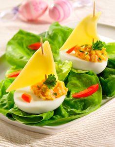 Żaglówki z jajek na sałacie/ Ships from eggs on lettuce, www.winiary.pl
