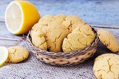 Şu zamana kadar yediğiniz en lezzetli kurabiyelerden biri olmaya aday olacak kadar iddialı olan kaymaklı limonlu kurabiye tarifimiz var.