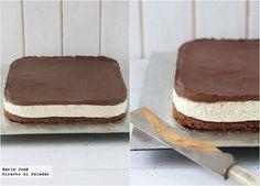 Receta de pastel de mousse de leche condensada con Thermomix. Fotografías con el paso a paso del proceso de elaboración. Foto con sugerencia de p...