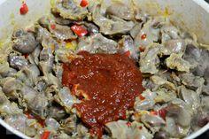 Tocanita de pipote si inimi de pui - CAIETUL CU RETETE Beef, Chicken, Food, Beauty, Romanian Recipes, Beleza, Meal, Essen, Hoods