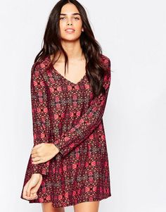 Influence | Influence V Neck Shift Dress In Tapestry Print